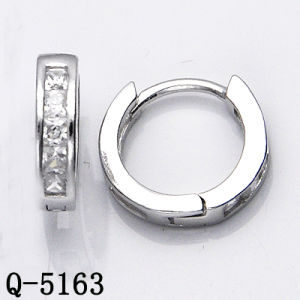 Factory Hotsale Silver Earrings Huggies with CZ pictures & photos