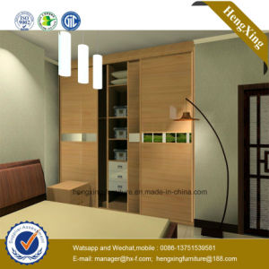 Customized Wooden Bedroom Sliding Door Wardrobe (HX-LC2036) pictures & photos