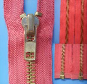 No. 8 Auto Lock Open End Brass Zipper pictures & photos
