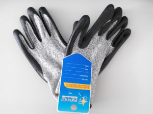 Hppe Nitrile Coated Cut-Resistance Safety Work Glove (H2101) pictures & photos