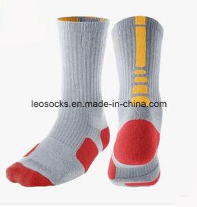 Men Basketball Customized Elite Wholesale Custom Sport Dri Fit Socks pictures & photos