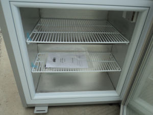 98L Commercial Glass Door Freezing Showcase Mini Freezer (SD-98) pictures & photos