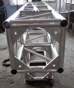 Used Aluminum Truss/ Stage Equipment High Quality Concert Stage Roof Truss pictures & photos