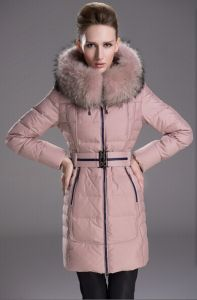 Skinnwille Winter Women Slim Thick Medium-Long Hooded Down Jacket Raccoon Fur Collar Down Coat Brand Down Parka with Belt pictures & photos