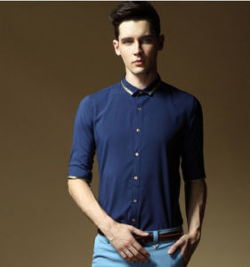 New Style Cotton Men′s Shirt in Navy Blue pictures & photos