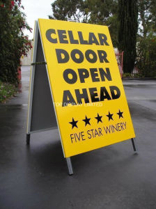 Pavement Sign Holder Snap a Frame Poster Board Sign pictures & photos