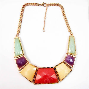 New Item Resin Flower Beads Zinc Gold Necklace pictures & photos