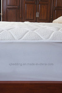 New Design Polyster Fabric Cool Contact Mattress Protector pictures & photos