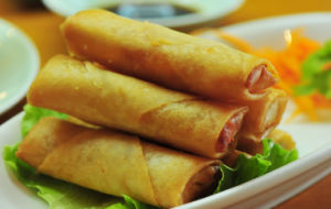IQF Frozen 100% Hand Made Vegetable 50g/piece Cylinder Spring Rolls pictures & photos