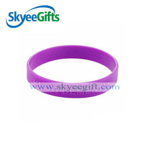 High Quality Custome Colorful Embossed Silicone Wristband&Bracelets pictures & photos