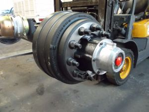 American 25000 Lbs 13t Trailer Axle with Stemco Cup pictures & photos