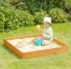 Simple Outdoor Sandbox Square Kids′ Wooden Sandpit pictures & photos