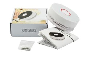 10 Years Use Life Photoelectric Smoke Alarm for Fire pictures & photos