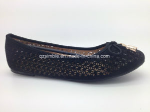Black Summer Style PU Flat Shoes for Lady pictures & photos