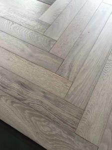 Aged Finishing Herringbone Oak Engineered Flooring pictures & photos