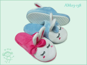 Warm Soft Rabbit Animal Children′s Shoes Slippers in Winter pictures & photos