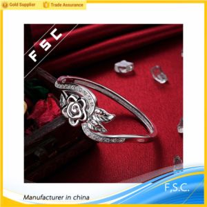 Fashion New Design Silver Plated Charming Flower Bloom Bracelet pictures & photos