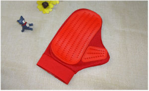 Red Rubber Pet Clean Gloves pictures & photos