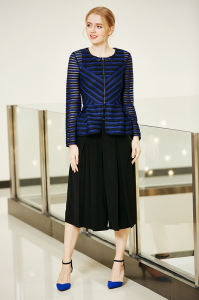 Zip Front Stripe Pattern Jacket with Pep Hem pictures & photos
