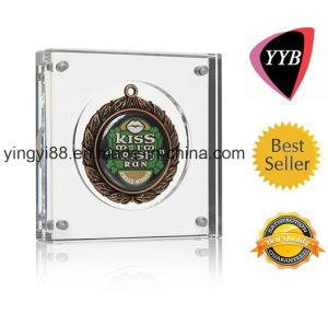 Factory Direct Sale Acrylic Medal Stand pictures & photos