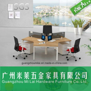 Modern Office Furniture Design Steel Frame Computer Desk pictures & photos
