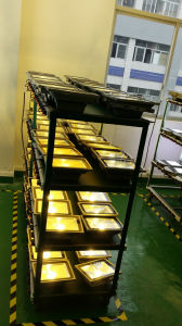 Outdoor IP66 12V 30W LED Solar Flood Light pictures & photos