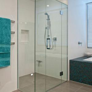 Frameless Corner Stall Backsplash Rectangular Glass Shower pictures & photos