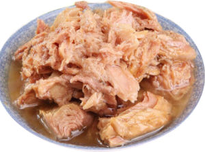 Best Selling Canned Tuna Chunk in Oil/Brine pictures & photos
