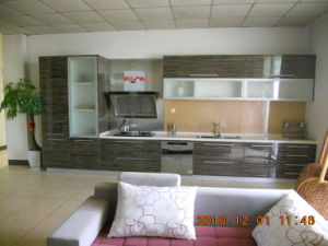 MDF Sliding Wardrobes Cabinets Doors pictures & photos