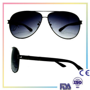 2016 Unisex Metal Polarized Fashion Sunglasses with UV 400 pictures & photos
