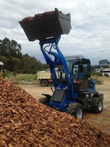 Hzm908 Jn908 Mini Wood Machine Mini Wheel Loader for Sale pictures & photos