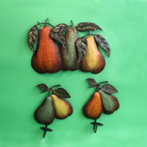 Metal Handpainting Pear Wall Decoration pictures & photos