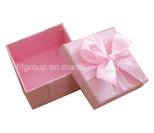 Custom Designed Ribbon Paper Gift Box pictures & photos