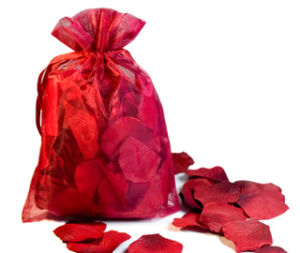 Silk Petals with Organza Gift Bag for Wedding Favors pictures & photos