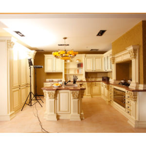 American Antique Alder Wood Kitchen Cabinets pictures & photos