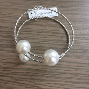 Double Open Metal Bracelet with Pearl Fashion Jewelry pictures & photos