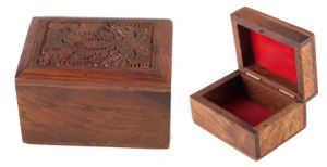 Wooden Soap Box with Laser Engraving Lid pictures & photos