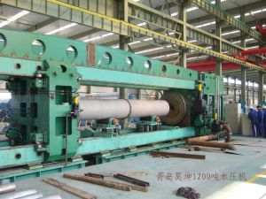 Hydrostatic Testing Machine (1200T) pictures & photos