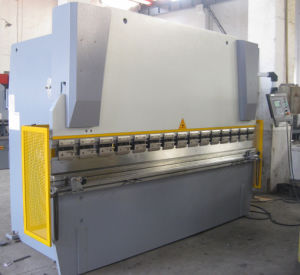 Hydraulic Bending Machine for Metal Plate with Nc Control pictures & photos