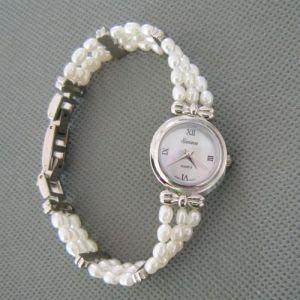 White Freshwater Pearl Watch, Pearl Hand Watch (WH105) pictures & photos