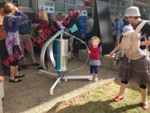 200W Wind Turbine Vertical (Vertical Wind Generator 200W-10KW) pictures & photos