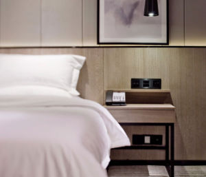 Hilton 5 Star Modern Wooden Hotel Bedroom Furniture pictures & photos