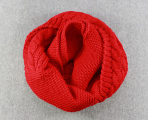 Hot Sale Winter Fashion Stripe Knitted Snood pictures & photos