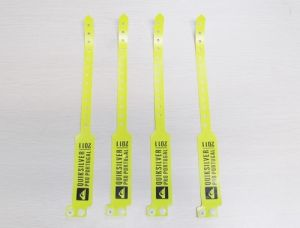 13.56MHz One-off RFID Wristband (27) pictures & photos