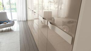 Elegant Handle High Gloss Wardrobe Closet pictures & photos