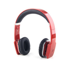 Original 3.5mm USB V8100 Foldable Wireless Bluetooth V4.0 Stereo Headphone with Microphone, Noise-Cancelling pictures & photos