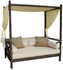 Mtc-330 Outdoor Rattan Sofa Daybed Wicker Garden Sofa Bed Patio Daybed pictures & photos