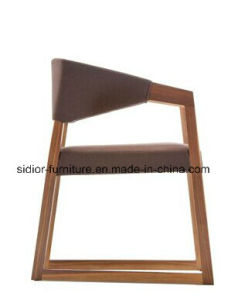 (SD-1005F) Nordic Style Restaurant Wooden Dining Chair with Fabric Seat pictures & photos