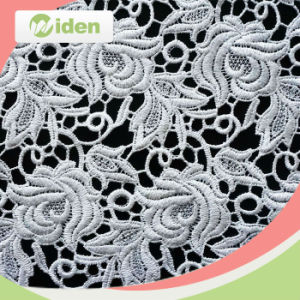 Milky Polyester Grid Pattern Floral Design Chemical Lace Fabric pictures & photos
