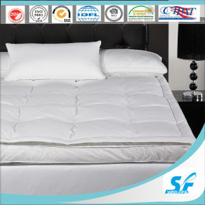 Luxury Twin Layers Goose Down Mattress Topper for Five Star Hotel pictures & photos